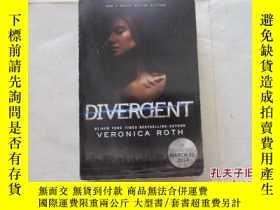 二手書博民逛書店DIVERGENT:VERONICA罕見ROTH【773】Y10