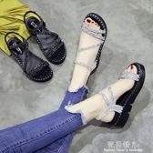 夏季新款韓版鬆糕厚底中跟羅馬涼鞋亮片百搭露趾一字搭扣女鞋 完美情人精品館