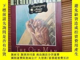 二手書博民逛書店the罕見old man and the seaY115089