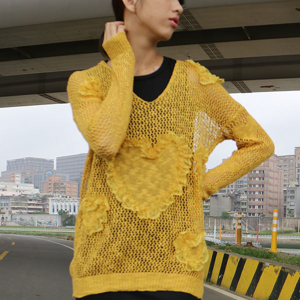 春秋薄款 鏤空貼花長袖罩衫 [紅 綠 黃] 三色售 MUS15024