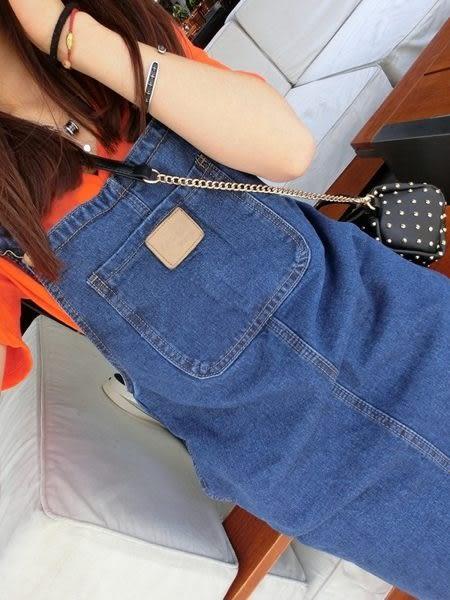 (全館免運) - 顯廋前後雙口袋造型吊帶牛仔裙。 S/M/L【A-0157】