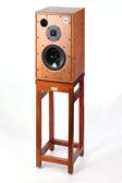 Homely Design 胡桃原木材質,純手工製造  Harbeth M30.1 喇叭架一對(不含喇叭)出清價~