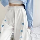 運動褲 薄款夏季歐美辣妹風愛心運動褲女束腳白色寬鬆休閒褲直筒春潮ins 韓國時尚週