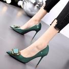 細跟鞋法式網紅綠色高跟鞋女尖頭細跟高跟皮鞋女年新款方扣漆皮單鞋  迷你屋 618狂歡