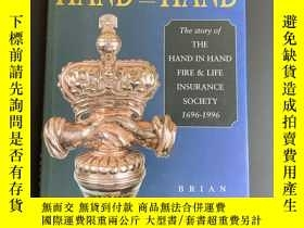 二手書博民逛書店HAND罕見IN HAND the story of the H