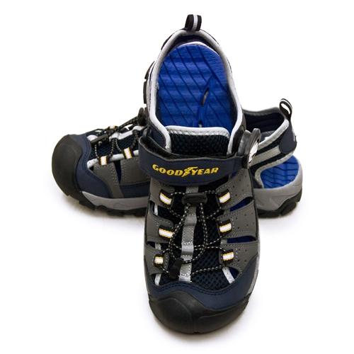 LIKA夢 GOODYEAR 固特異專業戶外踏青旅遊磁扣護趾排水運動涼鞋 WAVE 3 奔浪系列 灰藍黑 03736 男