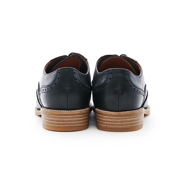 MICHELLE PARK 英倫 ‧ 牛皮質感雕花圖案牛津鞋-黑色