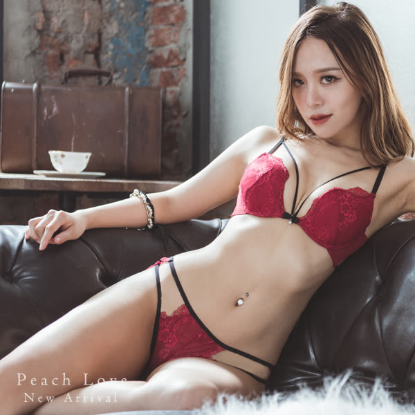 內衣 法式美繩成套內衣組(四色:紅、黑、白、粉)-集中爆乳胸罩_A罩杯~B.C.D大罩杯_蜜桃洋房