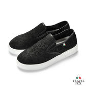 TRAVEL FOX(女) 壓紋舒適休閒懶人鞋-黑