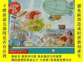 二手書博民逛書店THE罕見MAGIC SCHOOL BUS PLAYS BALL A Book About ForcesY38