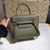 專櫃75折■Celine 珠地小牛皮袖珍型NANO BELT手袋包 軍綠色