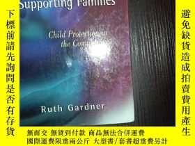 二手書博民逛書店外文書罕見Supporting Families: Child