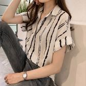 DE SHOP~(HL-2563)港風韓范.條紋V領寬鬆短袖襯衫上衣