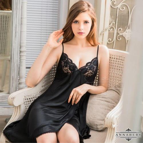 睡衣 性感睡衣 星光密碼【中大尺碼】優雅黑蕾絲側開襟柔緞睡衣 星光密碼 B002