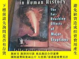 二手書博民逛書店Volcanoes罕見in Human History: The