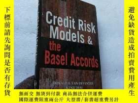 二手書博民逛書店Credit罕見Risk Models and the Base
