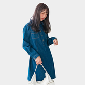 休閒洋裝--率性簡約排扣拼接口袋反褶扣寬鬆襯衫領牛仔連衣裙(藍L-2L)-A388眼圈熊中大尺碼◎