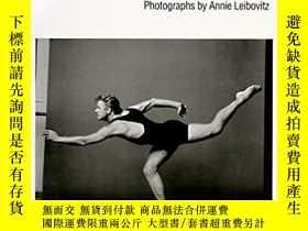 二手書博民逛書店Dancers罕見(Photographers at Work)