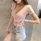 低胸上衣 性感V領低胸短袖打底衫女網紅夏新款修身顯瘦小心機上衣T恤潮