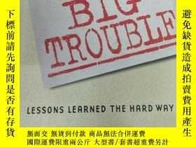 二手書博民逛書店Big罕見Brands Big Trouble: Lessons