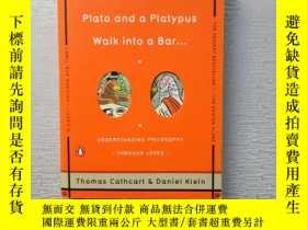 二手書博民逛書店Plato罕見and a Platypus Walk into