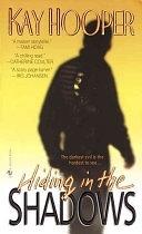 二手書博民逛書店 《Hiding in the Shadows》 R2Y ISBN:0553576925│Bantam
