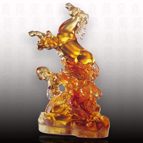 居家開運水晶琉璃-龍馬精神附座-附古法制作珍藏保證卡◆免運費送到家