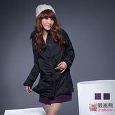 外套--寒冬中的耀眼焦點腰身設計斜紋鋪棉毛邊連帽長外套(黑.紫M-2L)-J69眼圈熊中大尺碼