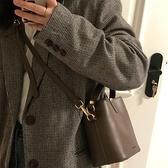 水桶包 百搭ins斜挎包包女2021新款潮時尚網紅水桶包小眾設計單肩手提包 夢藝家