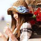 Qmishop 草帽-遮陽帽 牛仔布花朵 波西米亞度假海邊沙灘帽子 【G605】