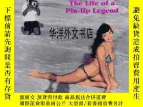 二手書博民逛書店【罕見】1996年出版 Bettie Page: The Lif