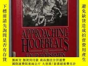 二手書博民逛書店英文原版罕見Approaching Hoofbeats by B