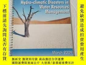 二手書博民逛書店Hydro-climatic罕見Disasters in Water Resources Management
