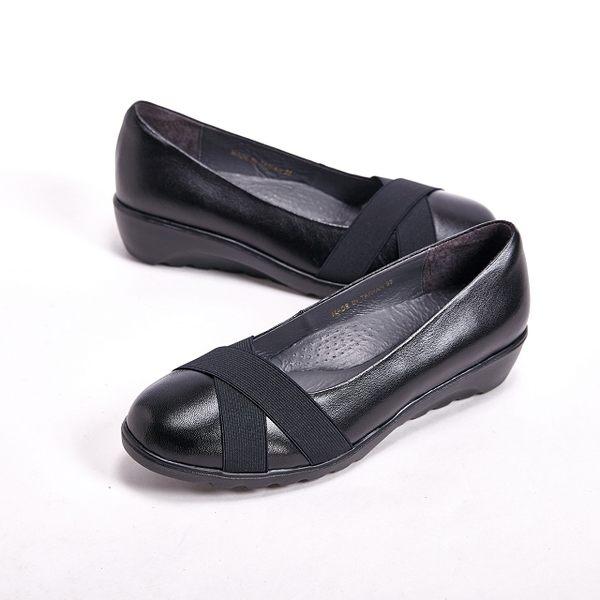 【W&M】真皮中性造型休閒 女鞋-黑