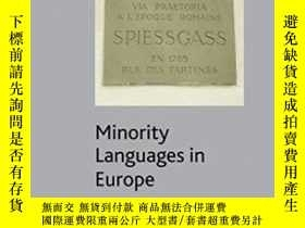 二手書博民逛書店Minority罕見Languages In Europe: Frameworks Status Prospect