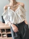法式設計感露肩吊帶襯衫上衣韓版【83-12-83078-21】ibella 艾貝拉