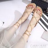 韓版平底漏趾涼鞋女夏羅馬鞋一字扣亮片學生時尚百搭涼鞋 概念3C旗艦店