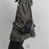 同款小包包女最新款潮斜挎百搭ins簡約秋冬洋氣單肩小黑包 歐尼曼家具館