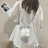 夏天小包包女新款潮流百搭單肩包塑料透明包鍊條斜背水桶包  蓓娜衣都