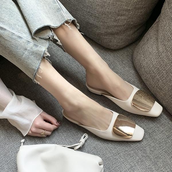 真皮女鞋34~40 2020新款韓版時尚百搭牛皮小方頭今金屬扣低跟穆勒鞋涼拖鞋~3色