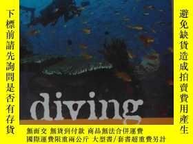 二手書博民逛書店英文原版罕見Diving Bali by David Picke