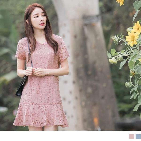 《DA6446-》滿版蕾絲雕花拼接荷葉裙襬洋裝 OB嚴選