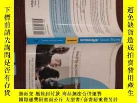 二手書博民逛書店Leading罕見Across Differences:Cause and PerspectivesY1545