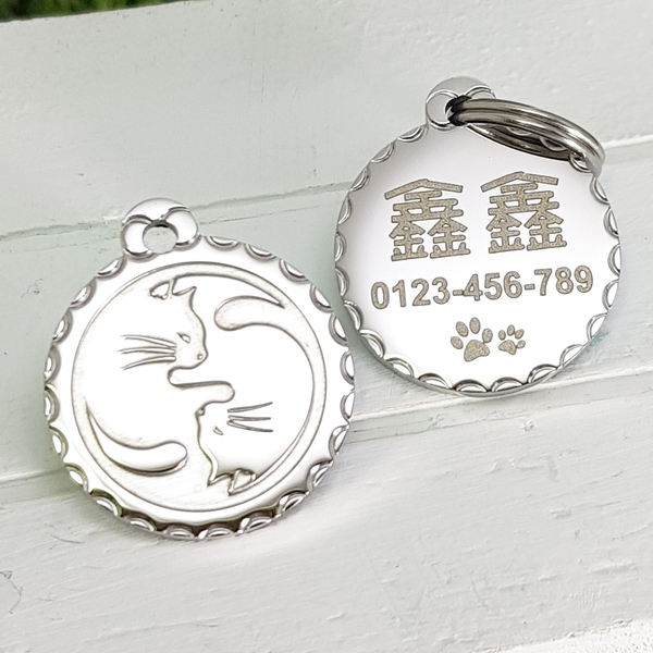 【FulgorJewel】項圈胸背寵物姓名牌 免費刻字 不鏽鋼 花邊浮雕雙貓