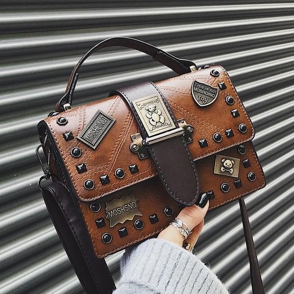 小方包 小包包女2021新款潮韓版百搭側背斜背手提時尚復古鉚釘個性小方包 童趣屋 交換禮物