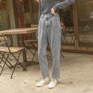 Queen Shop【04011376】打褶設計刷色牛仔長褲 S/M/L/XL*現+預*