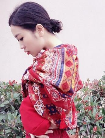 [協貿國際]  女士春夏文藝復古民族風棉麻披肩圍巾沙灘絲巾 (1入)