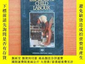 二手書博民逛書店Combating罕見Child Labour23429