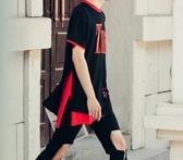 找到自己 MD 韓國 潮 男 嘻哈 街頭時尚 字母 破洞 別針 開叉 另類 夜店DJ發型師 短袖T恤 特色短T