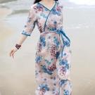 新款2021夏季旅行文藝印花氣質顯瘦V領繫帶收腰仿苧麻寬鬆連衣裙 快速出貨
